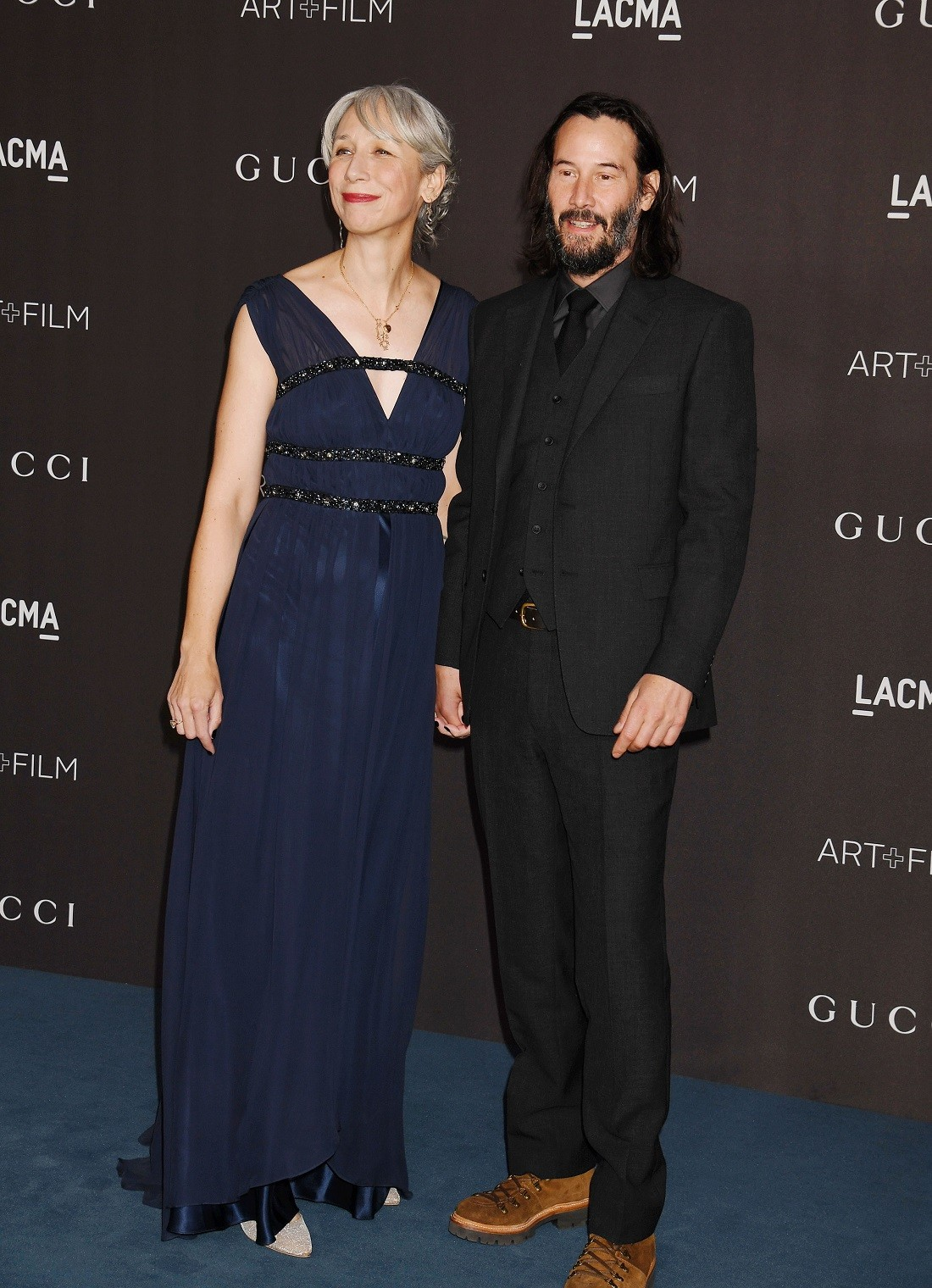 2019 11 08 08 29 57 grant - Η Helen Mirren απαντά: Είναι ή δεν είναι η νέα σύντροφος του Keanu Reeves;