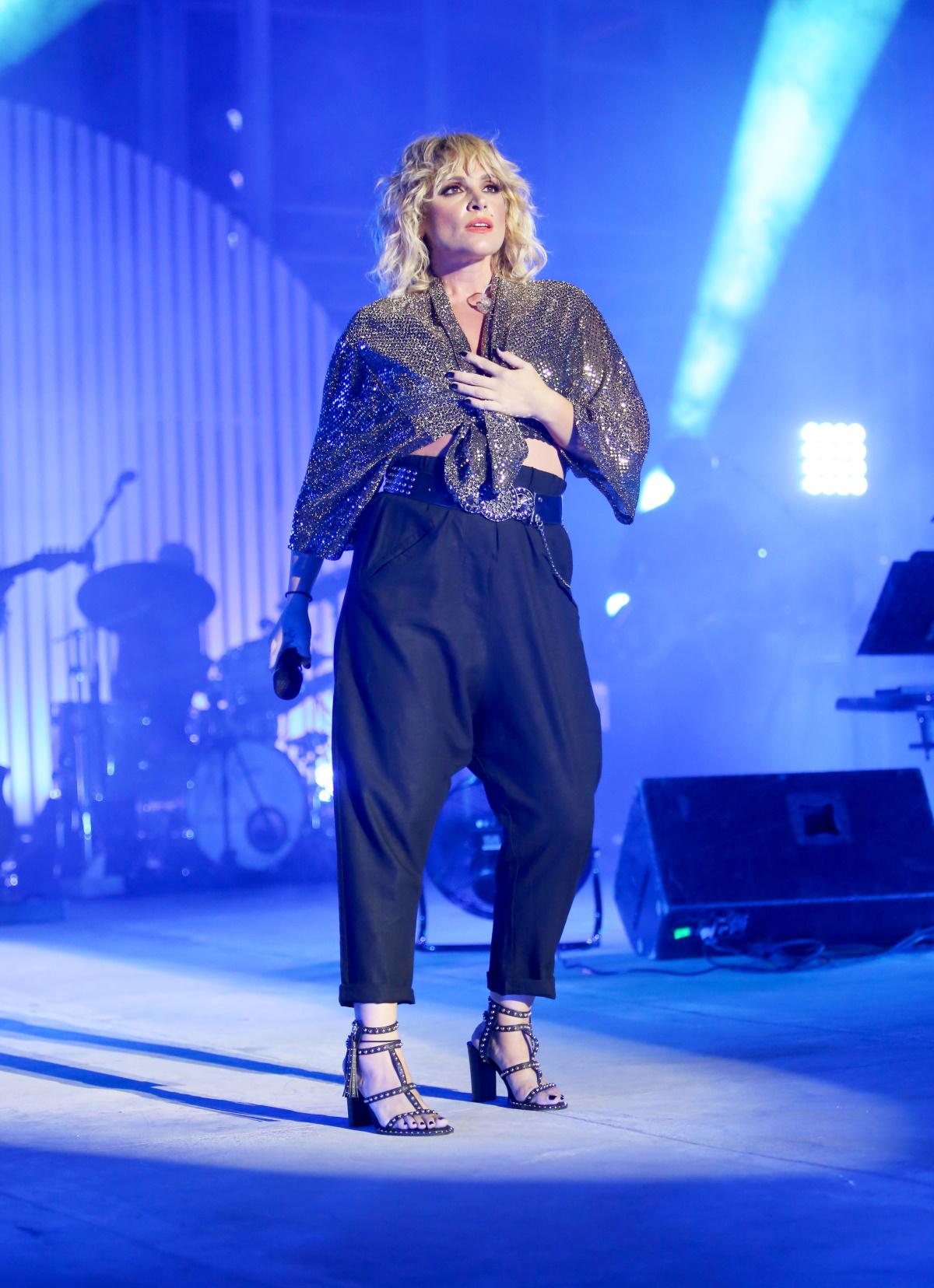 Ελεονώρα Ζουγανέλη: Ο μέλλων σύζυγός της, Σπύρος Δημητρίου, την απόλαυσε  στη συναυλία της – Σκάι Πάτρας